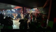 Polícia encerra festa clandestina com 70 pessoas na zona leste de SP