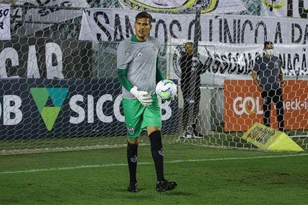 FECHADO: A chegada de Everson ao pelo Atlético-MG tirou o espaço do goleiro Matheus Mendes, cria da base no elenco de Jorge Sampaoli. Com isso, a negociação de empréstimo do jogador para o CSA, de Alagoas, foi confirmada e o jovem goleiro ficará no time de Maceió até janeiro de 2021.