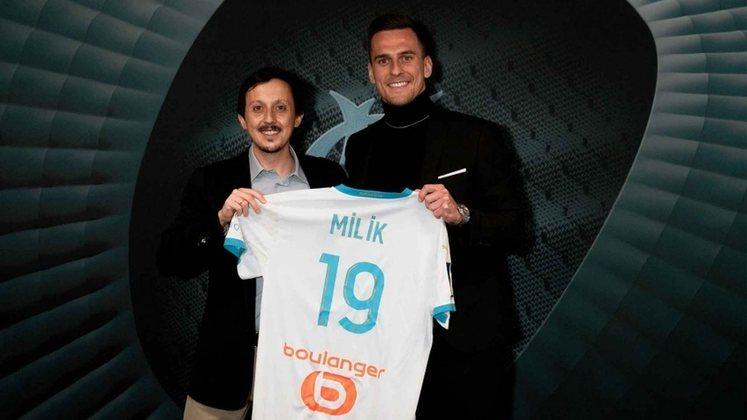 FECHADO - A janela de transferências de inverno na Europa segue movimentada. O Olympique de Marselha anunciou a contratação do atacante Arkadiusz Milik. O polonês, que pertence ao Napoli, chega por empréstimo de 18 meses, até junho de 2022.