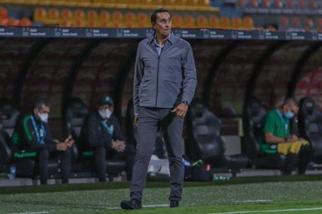 FECHADO - A passagem de Alexandre Guimarães no comando do Atlético Nacional, da Colômbia, chegou ao fim. No cargo desde novembro de 2020, o treinador não resistiu aos maus resultados e teve seu contrato rescindido com o clube. Ao todo, a equipe de Medellín está sem vencer há sete partidas e foi eliminada nas quartas de final do Apertura Colombiano e na fase de grupos da Copa Libertadores.