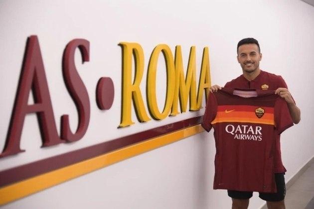 FECHADO - A Roma anunciou, nesta terça-feira, a contratação do atacante espanhol Pedro Rodríguez. Com 33 anos, o jogador assinou até junho de 2023 com o clube italiano.