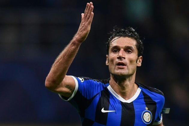FECHADO - A Sampdoria assinou com o meia Antonio Candreva, de 33 anos. O italiano estava jogando na Inter de Milão, clube em que atuou por quatro temporadas.