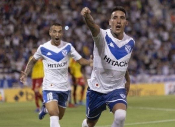 FECHADO - A tão esperada assinatura de contrato de Ricardo Centurión e Vélez Sarsfield finalmente aconteceu. Depois de comprar 40% dos direitos federativos do atleta, o jogador assinou o vínculo de quatro temporadas.