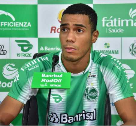 FECHADO - A terça-feira foi de novidade no Juventude. Após vencer a primeira no Gauchão, o time da serra apresentou o lateral-esquerdo Alyson, que chegou ao clube indicado pelo técnico Marquinhos Santos.