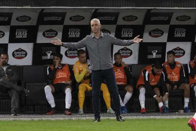 FECHADO: Acabou a passagem de Tiago Nunes como treinador do Corinthians. O comandante foi informado do seu desligamento nesta sexta-feira, depois da derrota para o Palmeiras, por 2 a 0, na Neo Química Arena.