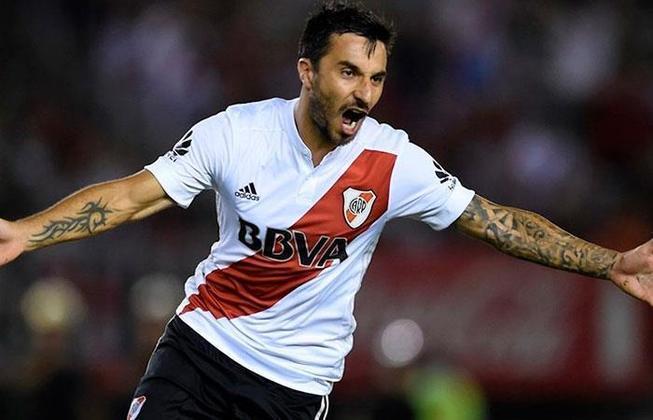 FECHADO - Agora é oficial. Como já era esperado, o Newell's Old Boys confirmou nesta quarta-feira a contratação do atacante Ignacio Scocco, que passou as últimas temporadas no River Plate.