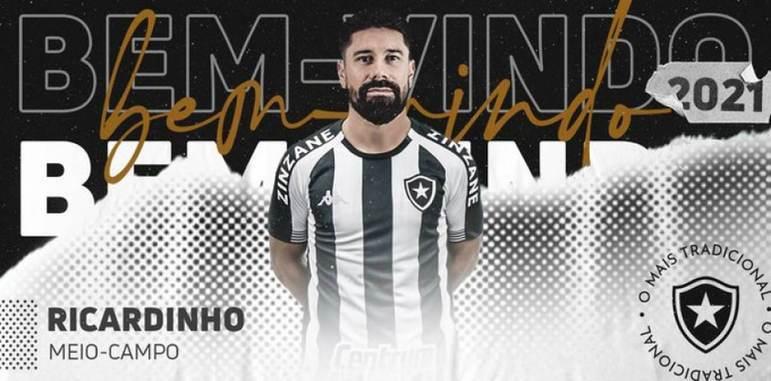 FECHADO - Agora são dez contratações. Nesta sexta-feira, o Botafogo anunciou a contratação de Ricardinho, que recentemente rescindiu com o Ceará. O meio-campista de 35 anos chega com o aval de Marcelo Chamusca e assinou contrato até dezembro de 2021.