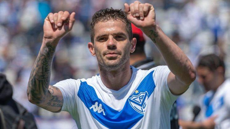 FECHADO - Aos 34 anos de idade e depois de conseguir uma trajetória notável no futebol, o meio-campista argentino Fernando Gago optou por encerrar oficialmente sua carreira em anúncio feito através de suas redes sociais.