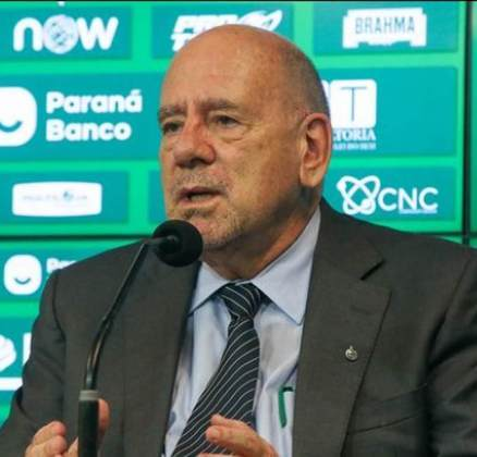 FECHADO - Após a saída de Paulo Pelaipe, a nova diretoria do Coritiba anunciou a chegada de José Carlos Brunoro para o cargo e executivo de futebol do Coxa, algo que requer muita responsabilidade e cuidado com as decisões tomadas.