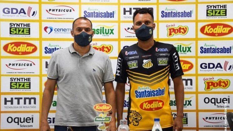 FECHADO - Após defender as cores do Botafogo de Ribeirão Preto na temporada 2020, o zagueiro Robson foi anunciado oficialmente como novo reforço do Novorizontino.