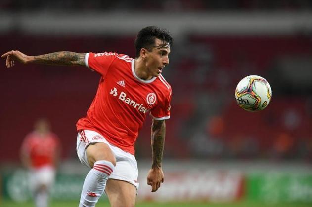 FECHADO - Após garantir a permanência de Abel Braga até o fim do Campeonato Brasileiro, o Internacional conseguiu renovar o vínculo do lateral-direito Renzo Saravia, que chegou ao clube nesta temporada.