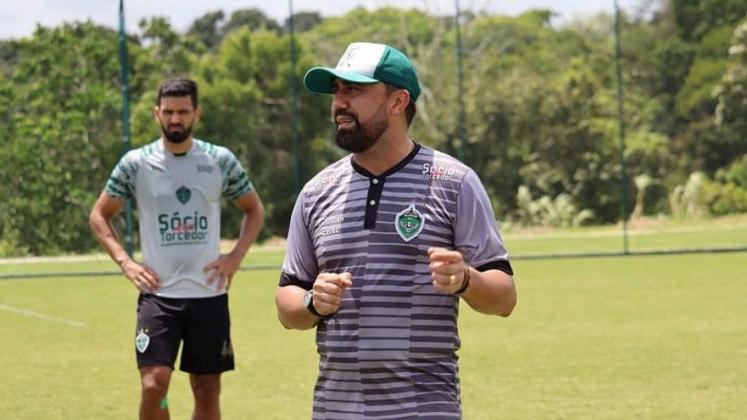 FECHADO - Após o fim da Série C, Luizinho Lopes e o Manaus FC encerraram o contrato de forma amigável. O bom trabalho do treinador despertou interesse de equipes da Série C e D, porém não houve definição até o momento por parte do staff do treinador.