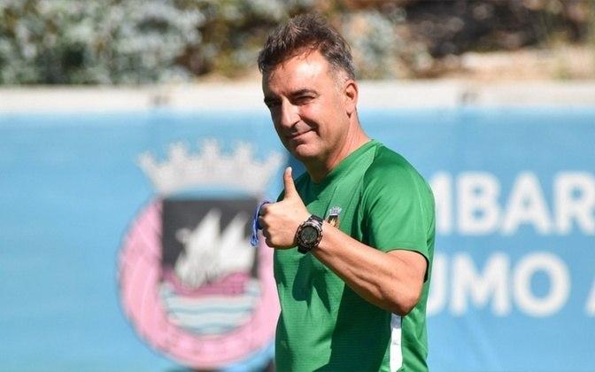 FECHADO - Após receber proposta do Flamengo, Carlos Carvalhal será o novo treinador do Braga. Mesmo sem anúncio oficial, o clube português enviou um comunicado à Comissão do Mercado de Valores Mobiliários (CMVM) de Portugal para informar a entidade do estabelecimento do vínculo, que será válido por duas temporadas.