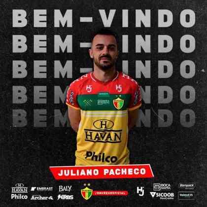 FECHADO - Após uma passagem vitoriosa no Caxias, o volante Juliano, ex-Goiás, Internacional, Fortaleza e Figueirense, assinou com o Brusque para a sequência da temporada. Segundo o jogador, sua meta é fazer um grande segundo semestre no clube catarinense.