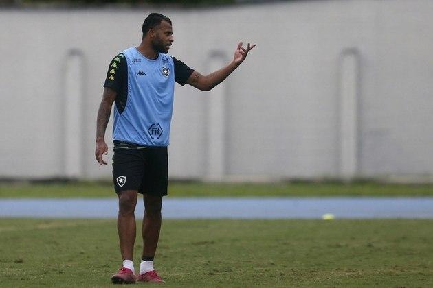 FECHADO – As dificuldades financeiras não deram outra opção ao Botafogo se não a de negociar Alex Santana com o futebol europeu. O meio-campista foi negociado com o Ludogorets, da Bulgária, no começo da semana por 800 mil euros (R$4.894.560,00, na cotação atual).
