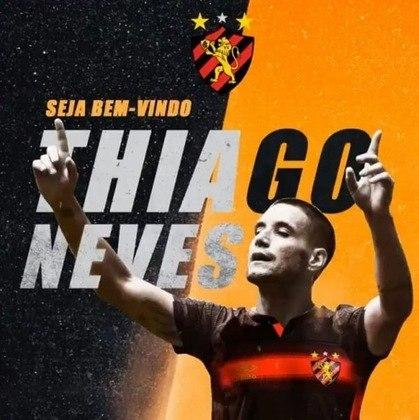 FECHADO: As especulações no entorno da possibilidade do Sport contratar o meia Thiago Neves tiveram a sua confirmação ainda na tarde de quinta-feira (17), quando o clube de Recife anunciou oficialmente a chegada do jogador de 35 anos de idade.