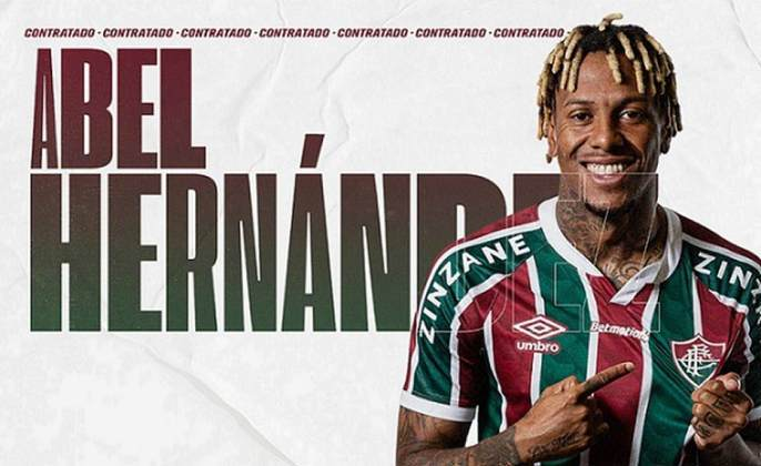 FECHADO - Às vésperas da estreia na Libertadores, o Fluminense anunciou oficialmente a contratação do atacante Abel Hernández, ex-Internacional, nesta sexta-feira. O uruguaio, que rescindiu amigavelmente com o Colorado na quarta, assina sem custos um até o final de 2021, com cláusula de renovação para 2022. O jogador já esteve presente no CT Carlos Castilho na última quinta para realizar testes físicos e assinar o contrato.
