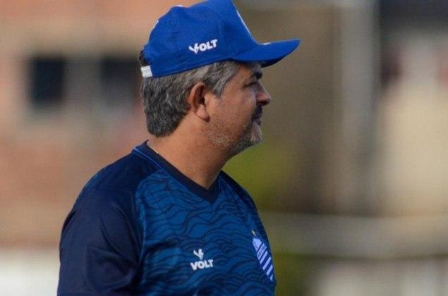 FECHADO - Através de nota oficial publicada pelo CSA, o técnico Ney Franco teve sua saída do clube confirmada na manhã desta segunda-feira (30) pouco mais de dois meses após o anúncio de sua chegada que ocorreu no dia 9 de julho