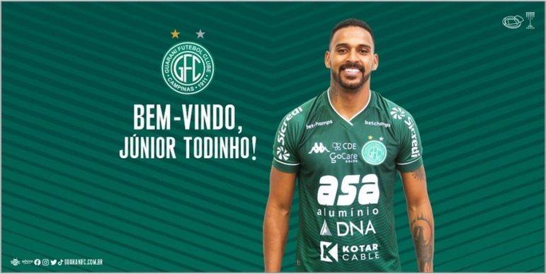 FECHADO - Autor de 11 gols em 36 partidas com a camisa do Guarani na temporada 2020, o atacante Júnior Todinho está, oficialmente, de volta ao clube de Campinas seis meses após sua saída. Não tendo repetido no Juventude as atuações e também o faro de gol demonstrado com a camisa do Bugre, Todinho estava sem clube desde o último mês de abril quando rescindiu seu vínculo com a equipe gaúcha.