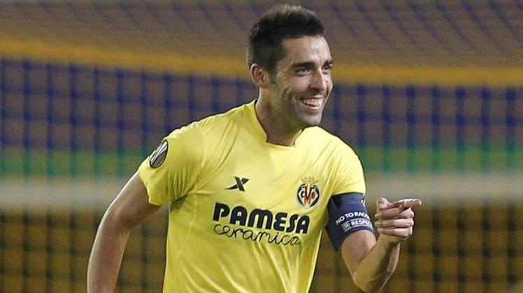 FECHADO – Bruno Soriano vai se aposentar. Durante sua carreira, vestiu apenas a camisa do Villareal. O capitão passou três anos longe dos gramados devido a uma lesão, mas conseguiu retornar.