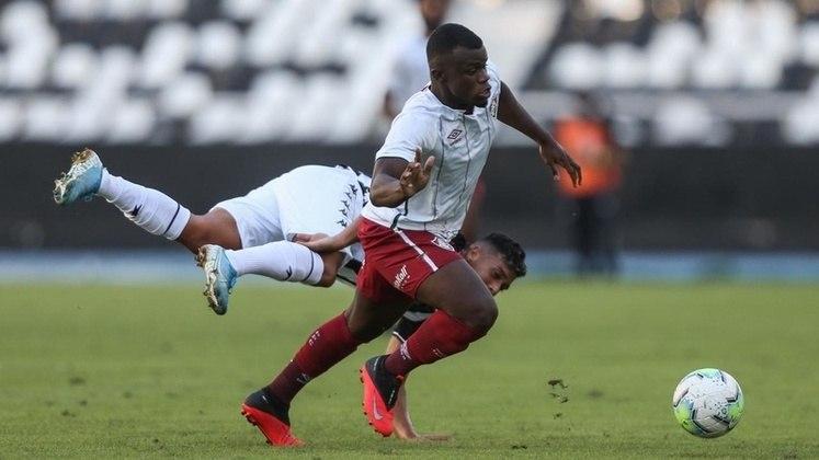 FECHADO - Cria da base do Fluminense, o atacante Christian está de casa nova. Depois de não renovar com o Tricolor, ele assinou com o Atlético Clube Marinhense, de Portugal. O contrato é válido por um ano com possibilidade de renovação ao término. Aos 21 anos, ele fez uma partida na equipe profissional, em outubro de 2020, diante do Goiás.