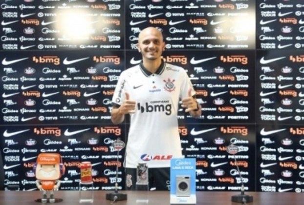 FECHADO - De volta após cinco anos, o lateral-esquerdo Fábio Santos foi apresentado como reforço do Corinthians na tarde desta terça-feira.  Aos 35 anos, Fábio Santos usará a camisa 26 do Timão.