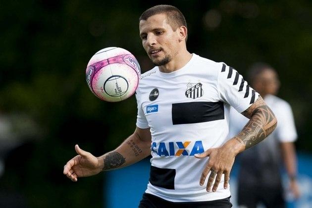 FECHADO – Depois de muita expectativa, Emiliano Vecchio, ex-Santos, foi anunciado oficialmente como novo reforço do Rosario Central, em acordo válido por 18 meses.