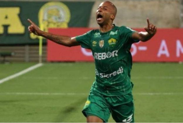 FECHADO - Destaque do Cuiabá no último ano, o meia-atacante Willians Santana, ex-CRB, Vitória, América-MG, Bahia e Fluminense, acertou com o Confiança para a temporada 2021.