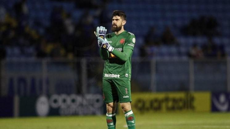 FECHADO - Fernando Miguel renovou seu contrato com o Vasco. No início da live promovida na