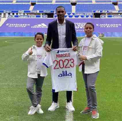 FECHADO - Há muitos anos na Europa, o zagueiro Marcelo renovou com o Lyon por mais duas temporadas, ficando até 2023 no clube francês.
