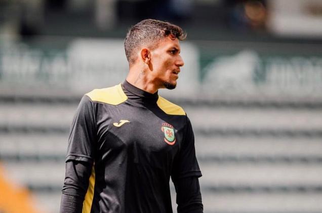 FECHADO - Jeimes, ex-Santos, teve uma semana positiva pensando na continuidade de seu trabalho no futebol português. Depois de passar a última temporada defendendo o Montalegre para ganho de experiência, o atleta de 20 anos de idade renovou seu acordo junto ao Paços de Ferreira até 2024