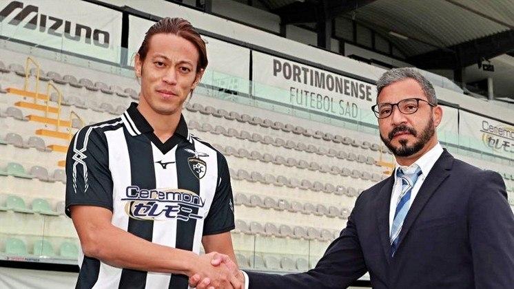 FECHADO - Keisuke Honda, ex-Botafogo, não é mais jogador do Portimonense. Cinco dias após ser anunciado, o japonês se reuniu com o presidente do clube e decidiu encerrar seu contrato, uma vez que ele não poderia ser inscrito na atual temporada do Campeonato Português.