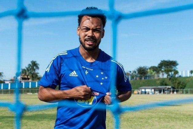 FECHADO - Mais uma contratação chegou no Cruzeiro. A Raposa anunciou oficialmente a contratação do meia Claudinho, de 19 anos, que veio da Ferroviária-SP. Ele assinou até 2025.