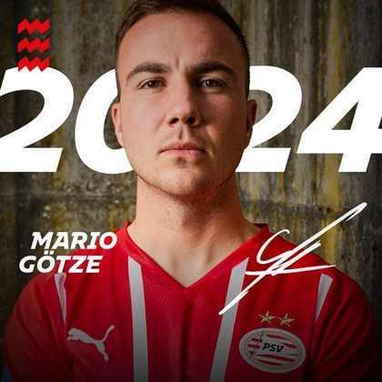 FECHADO - Mario Götze está de contrato renovado com o PSV até 2024 após boas atuações no clube holandês.
