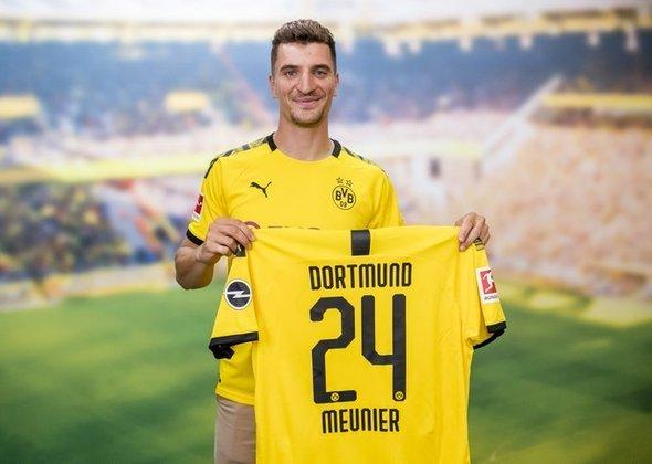 FECHADO - Meunier foi anunciado nesta quinta-feira como novo reforço do Borussia Dortmund. O lateral-direito, que estava no PSG, assinou com o clube alemão até 30 de junho de 2024.