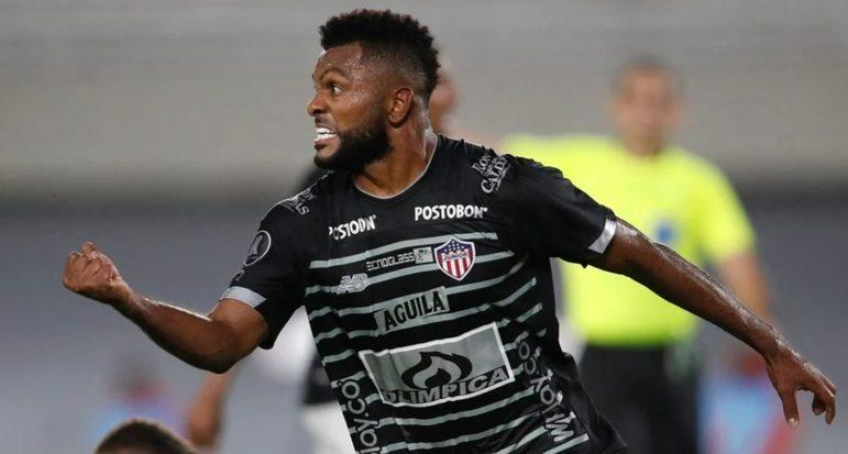 FECHADO - Na madrugada deste sábado (3), o Junior Barranquilla se despediu de Miguel Borja nas redes sociais. O clube cogitou a compra do jogador em definitivo, mas viu melhores oportunidades de mercado e o negócio não andou.