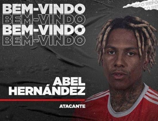 FECHADO: Na noite da última sexta-feira, o Internacional oficializou a chegada de Abel Hernández. Aos 30 anos, o atacante assinou com o Colorado até junho de 2021. Ele chega para o lugar de Guerrero, machucado no restante da temporada.