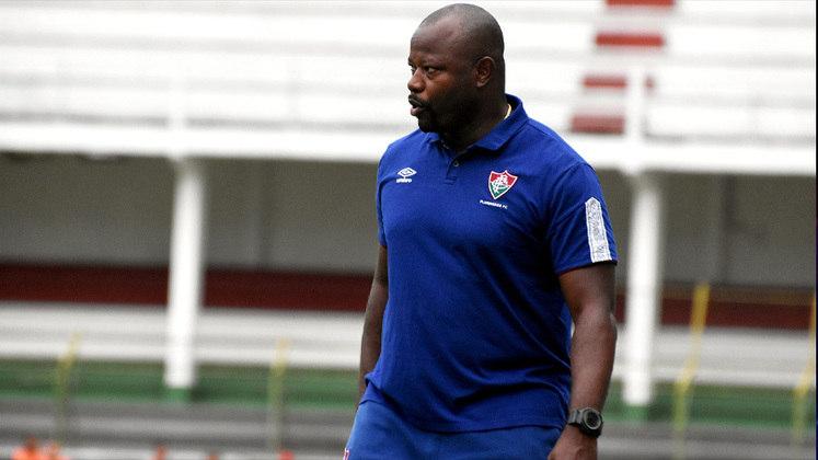 FECHADO - Na nota em que informou a saída de Odair Hellmann, o Fluminense informou que Marcão, técnico do time Sub-23, assumirá a equipe profissional até o fim da temporada.