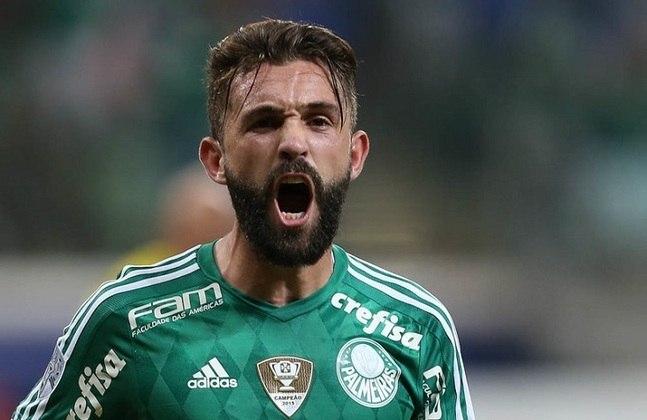 FECHADO - Na segunda divisão do futebol argentino, o Temperley está ativo no mercado de transferências e anunciou a chegada do meio-campista Agustín Allione.