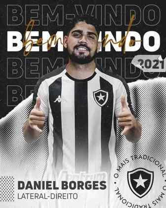 FECHADO - Na tarde desta quarta-feira, o Botafogo anunciou a contratação do lateral-direito Daniel Borges. O jogador estava no Mirassol e chega ao Alvinegro Carioca por empréstimo até o fim do ano. Pelo clube paulista, ele marcou um gol em 14 partidas disputadas.  Minutos depois do anúncio, o nome de Daniel Borges foi publicado no Boletim Informativo Diário (BID) da CBF. Dessa forma, o lateral-direito já está com a documentação regularizada para poder estrear pelo Botafogo.