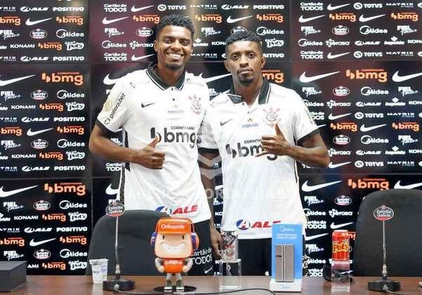 FECHADO - Na tarde desta terça-feira, o Corinthians apresentou seus dois novos reforços para a temporada 2020: Jemerson e Jonathan Cafú. Tanto o zagueiro como o atacante já apareceram no BID e estão regularizado para estrear na próxima partida do Corinthians, no sábado (14), contra o Atlético-MG, pelo Campeonato Brasileiro.
