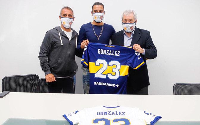 FECHADO - Nesta quinta-feira, o Boca Juniors apresentou seu mais novo reforço: Diego González. O volante chega para o recomeço do Campeonato Argentino e para o mata-mata da Libertadores. Ele já atuou por Lanús, Rosario Central e Racing.