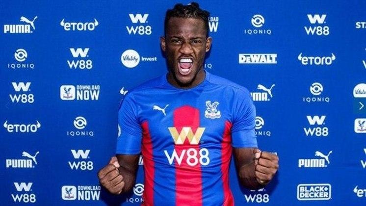FECHADO: Nesta quinta, o Crystal Palace acertou a contratação do atacante Michy Batshuayi por empréstimo de um ano. Além disso, ele também renovou o seu contrato com o Chelsea, clube que detém seus direitos por mais um ano, até junho de 2022.