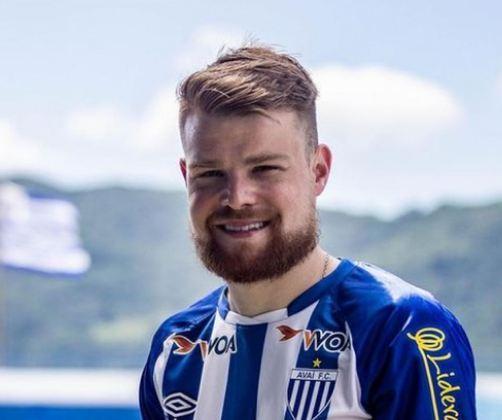 FECHADO - Nesta terça-feira, o Avaí confirmou a chegada do terceiro reforço para a temporada. Trata-se do volante Marcos Serrato, que estava no Sport.