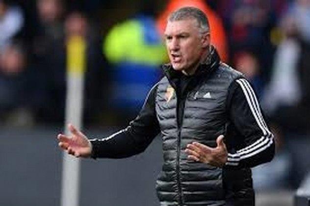 FECHADO - Nigel Pearson não é mais treinador do Watford. Em comunicado oficial, o clube inglês anunciou que o inglês, que assumiu em dezembro, não comandará mais a equipe. Hayden Mullin assumirá o cargo para os dois últimos jogos que restam.