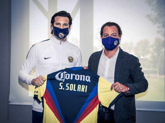 FECHADO - O América do México oficializou a chegada do técnico, Santiago Solari ao clube.