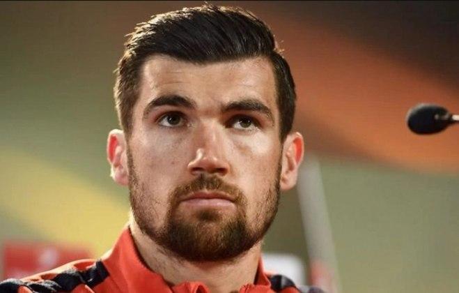 FECHADO - O Arsenal fechou o empréstimo do goleiro do Brighton, Mathew Ryan  até o final da atual temporada.