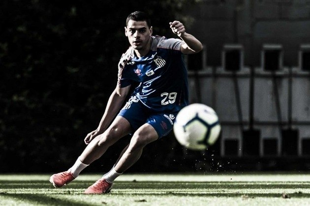 FECHADO: O atacante Alexandre Tam, que integrou o elenco profissional do Santos em 2019, com o técnico Jorge Sampaoli, foi emprestado ao Confiança, do Sergipe, até o fim da Série B do Campeonato Brasileiro, previsto para fevereiro de 2021.