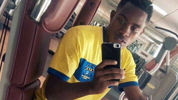 FECHADO- O atacante angolano Toko Filipe, de 21 anos, foi contratado pelo Vasco para um período de intercâmbio e já vem fazendo atividades em São Januário. A informação foi publicada originalmente pelo