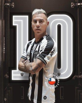 FECHADO - O atacante chileno Eduardo Vargas foi anunciado como novo reforço do Atlético-MG nesta segunda-feira (09). O novo camisa dez do Galo assinou contrato até 31 de dezembro de 2022.